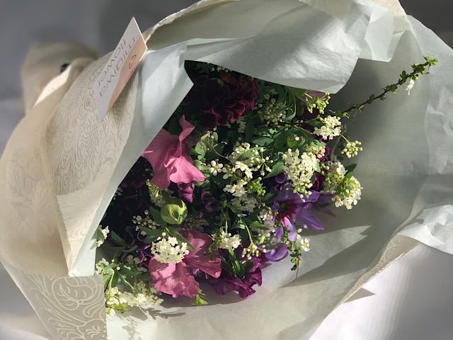 MIGIWA FLOWER(ミギワフラワー)で購入した花束の画像