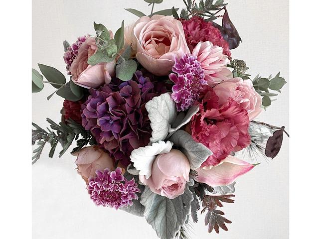 自宅で撮影した花束の写真