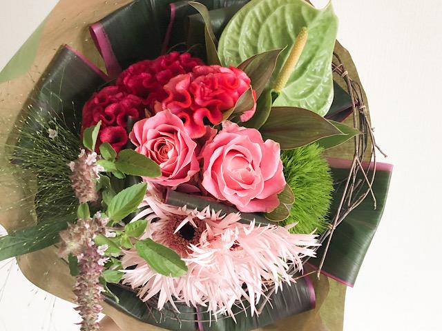 恵比寿のおしゃれ花屋GINKO(ギンコ)で購入した花束を撮影した画像
