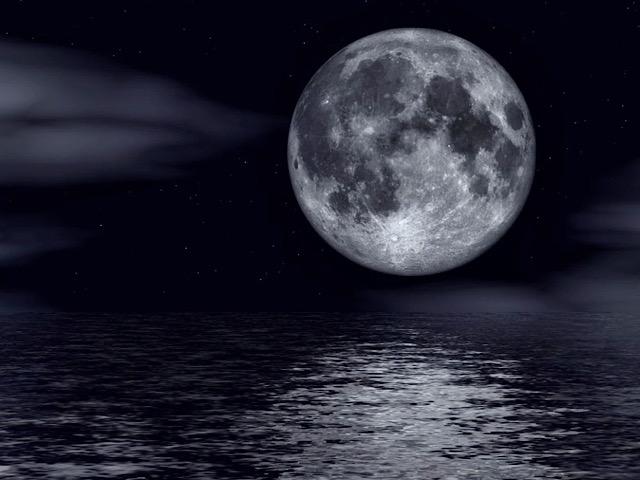 pixabayから引用した満月の画像
