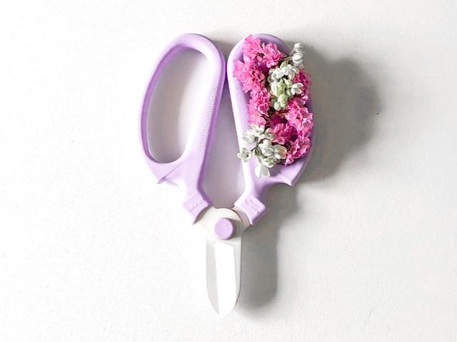 日比谷花壇で購入した生花ハサミを撮影した画像