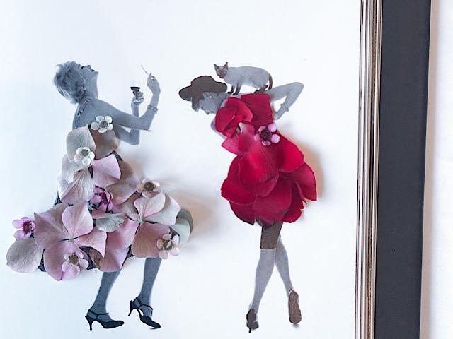 アジザイ、ワックスフラワー、バラを使った花びらアートを撮影した画像