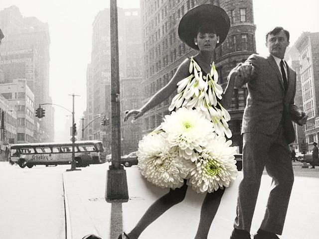 マムを使った花びらドレスを撮影した画像