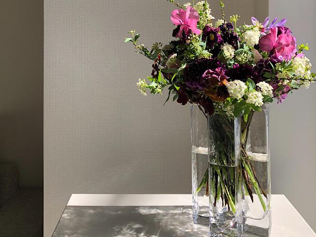 HOLMEGAARD(ホルムガード)の花瓶を使ったおすすめの飾り方の画像