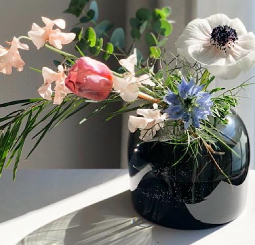 menu(メニュー)の花瓶を使ったおすすめの飾り方の画像