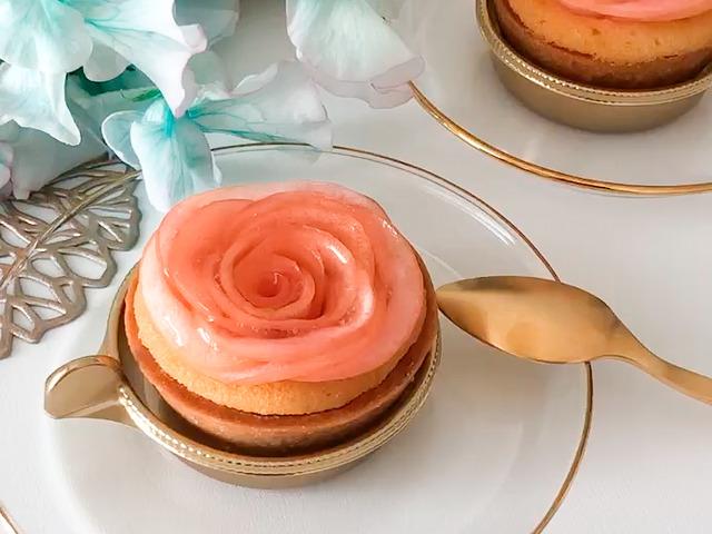 おすすめのお花スイーツapple&rosesのリンゴタルトを撮影した画像