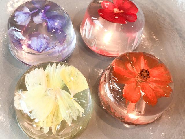 おすすめのお花スイーツ御菓子司つくしの錦玉菓子を撮影した画像