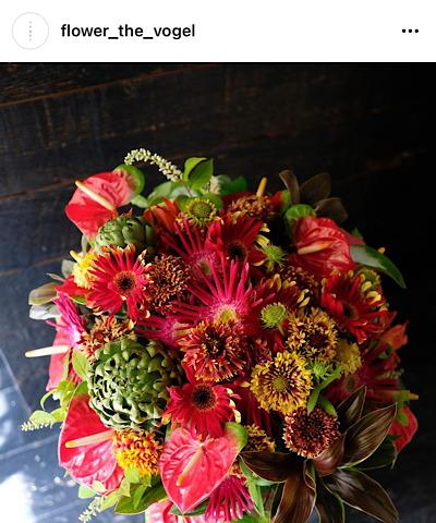 フォーゲル公式インスタグラムから引用した花の画像